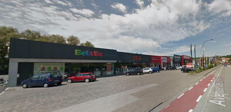 Retail to let Renaix