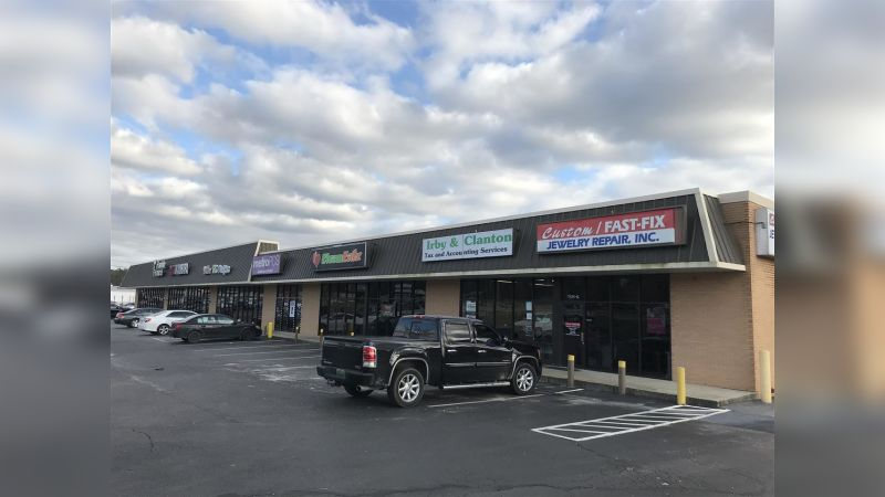 Airwest Shopping Center - Retail - Lease