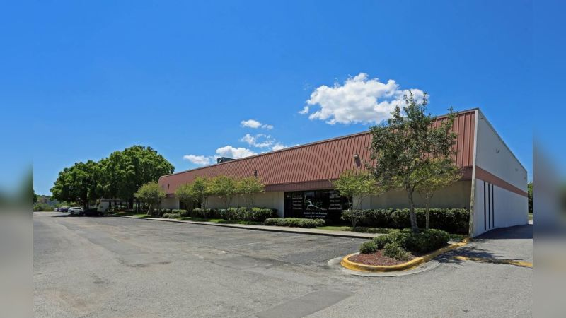 9400 International Court North - Industrial - Lease
