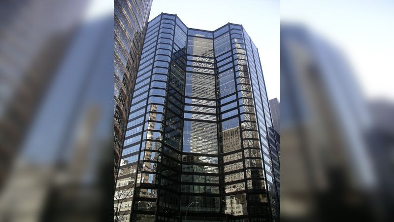 875 Third Avenue - Office - Lease
