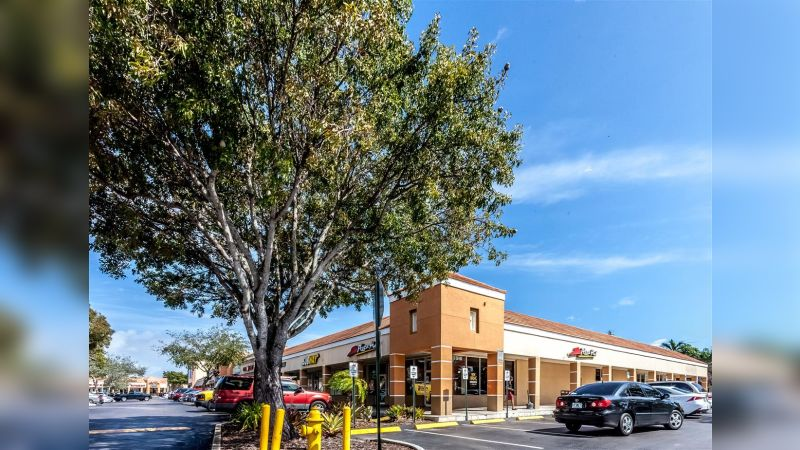 Coral Reef Shopping Center - Retail - Sublease