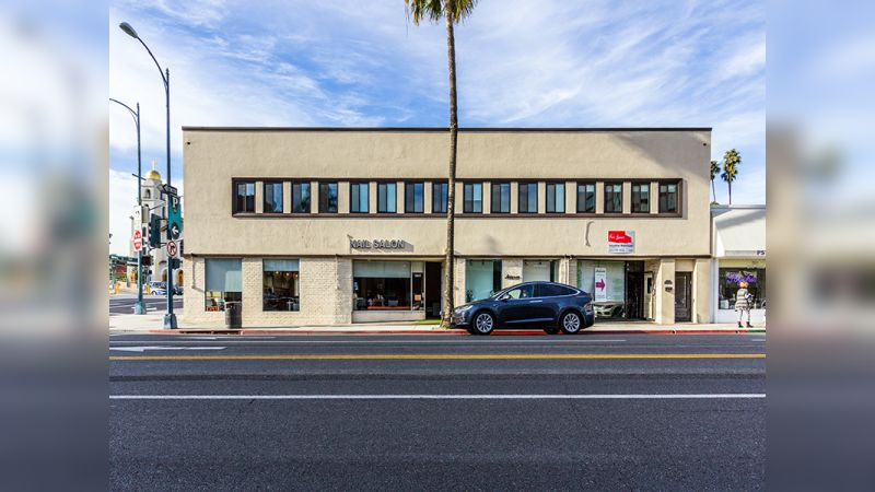 9643 S Santa Monica Blvd - Retail - Lease