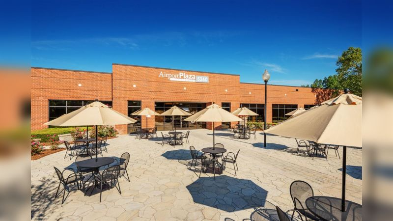 Airport Plaza - Office - Lease