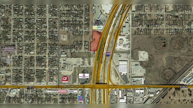 2542 North Freeway - Retail - Lease
