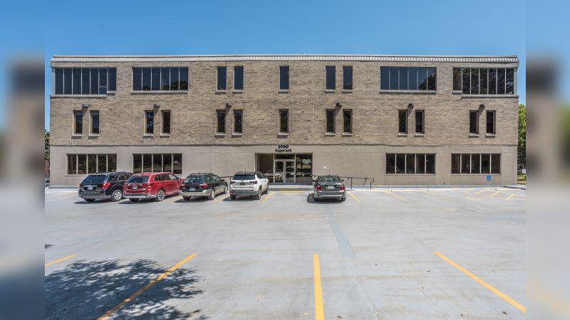 3900 Ingersoll Avenue - Office - Lease
