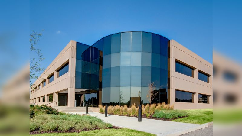 Lakefront 5 - Office - Lease