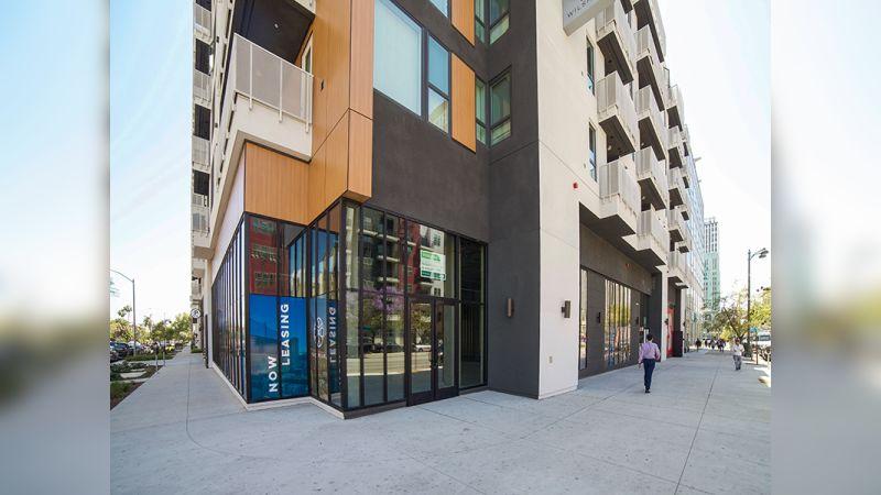 687 S Hobart Boulevard - Retail - Lease