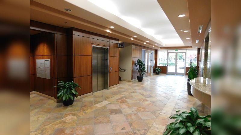 Rio Vista Plaza II - Office - Lease