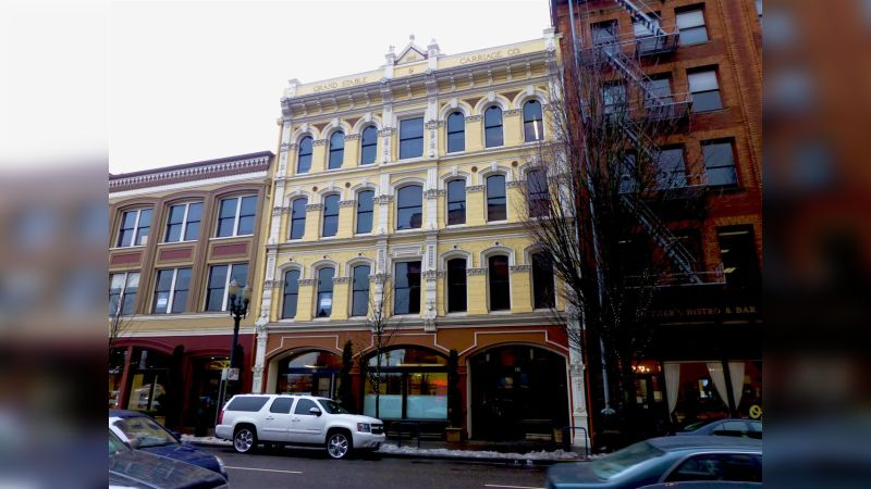 Grand Stable & Carriage Building - Office - Lease