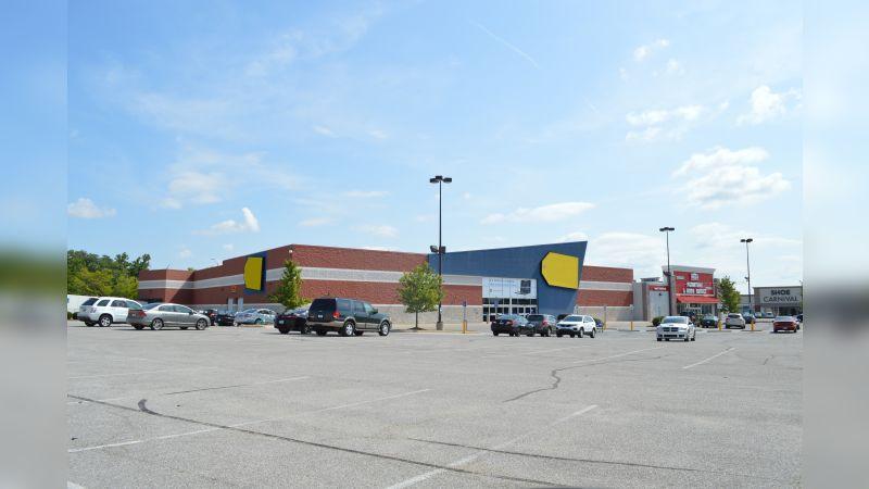 Best Buy - End Cap - Retail - Lease