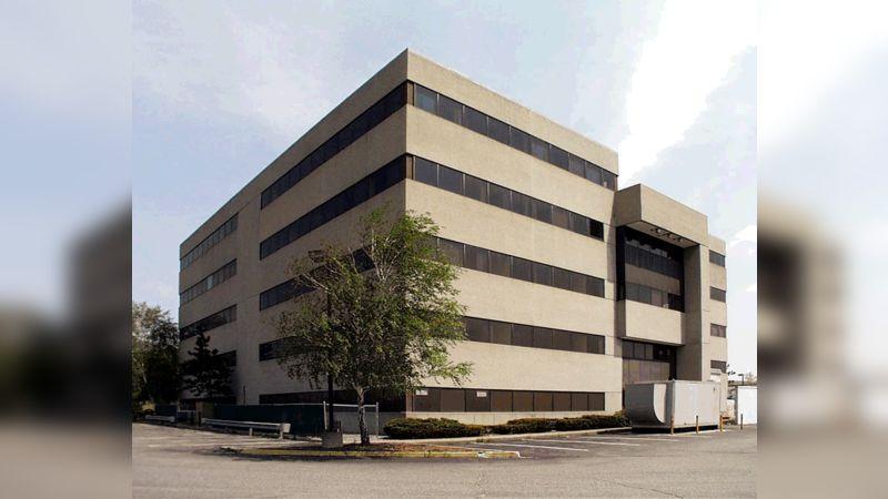 100 Pennsylvania Avenue - Office - Lease