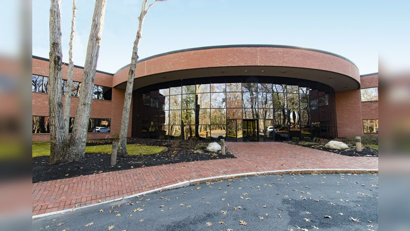 1 Corporate Dr - Office - Lease