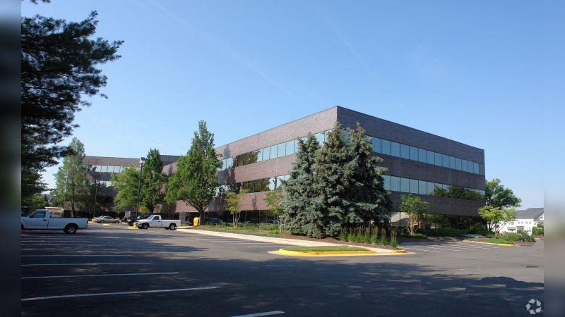 3877 Fairfax Ridge Rd - Office - Lease