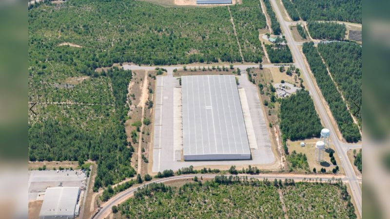 Global Avenue Logistics Center - Industrial - Sale