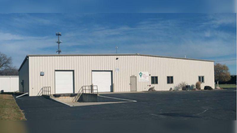 2460 West Leonard Street - Industrial - Sale