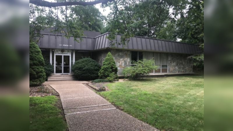 389 Franklin Avenue - Office - Sale