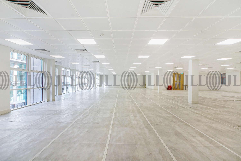 Office London, EC2M 2EF - 17 Dominion Street - 00656