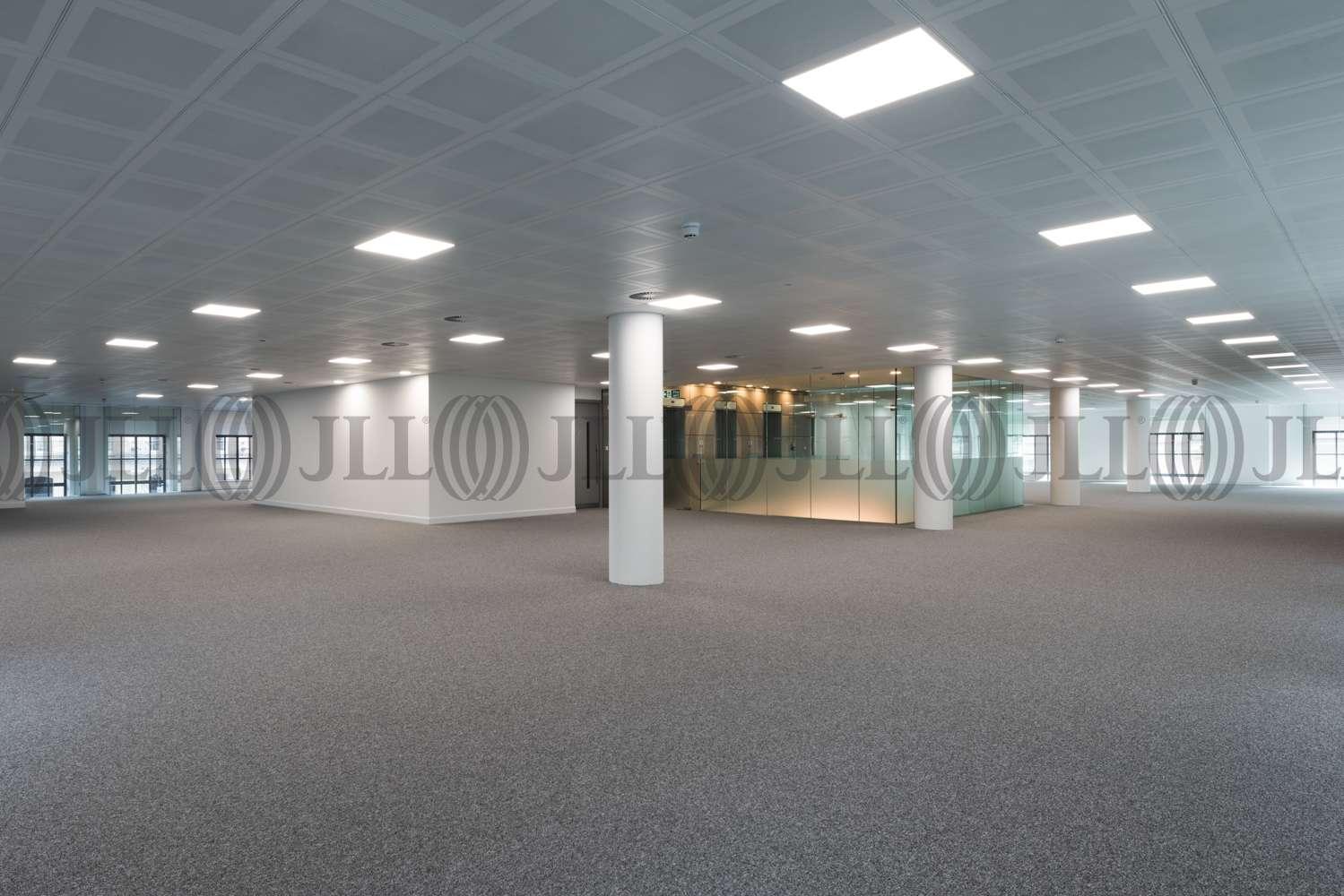 Office London, SW1Y 5AU - Kinnaird House - 8176