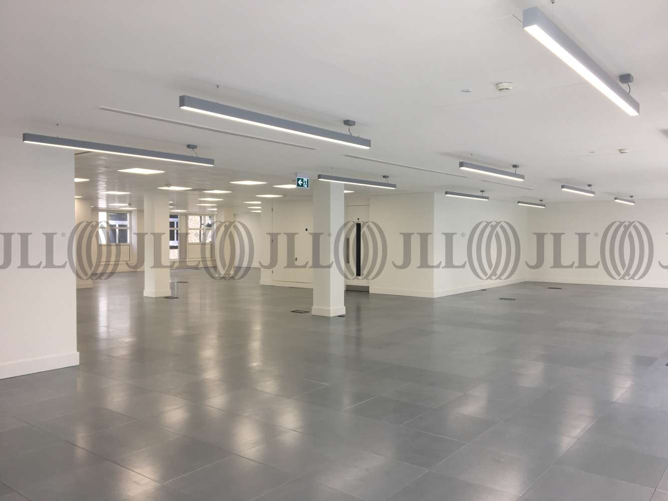 Office London, W1F 9HT - 5 Golden Square - 5