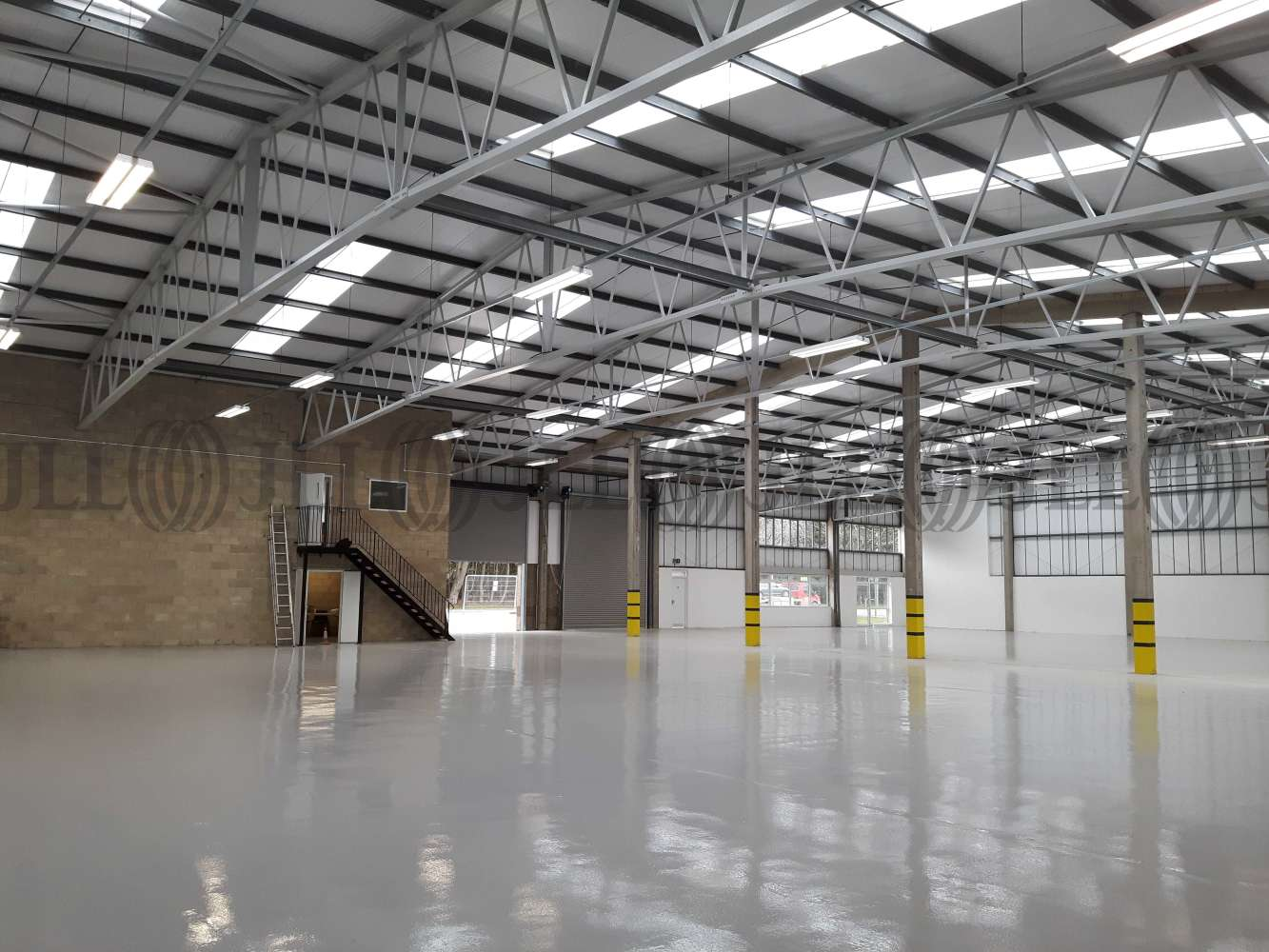 Industrial Swindon, SN2 2DJ - Unit 13 & 14 River Ray Industrial Estate - 20180309123328