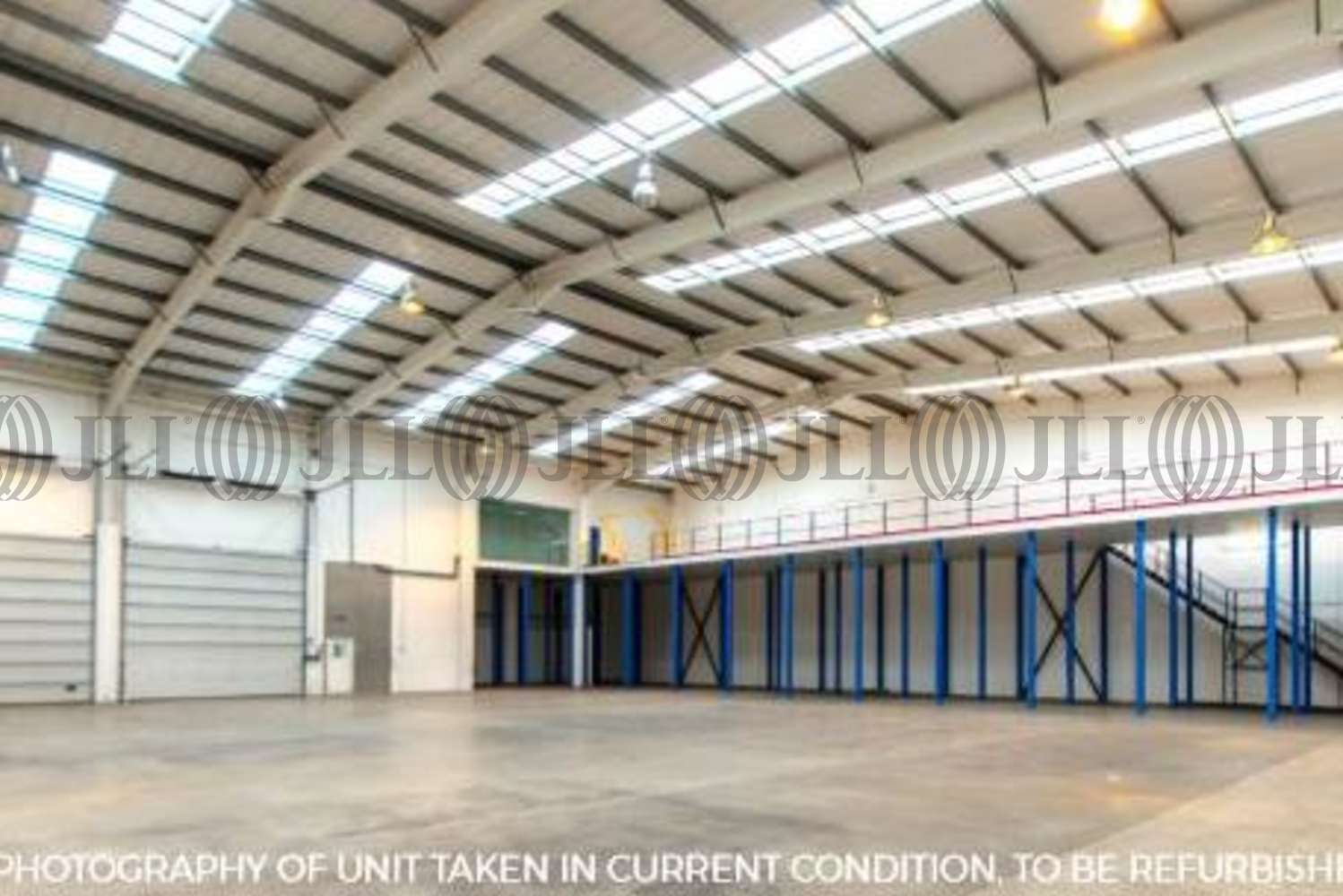 Industrial Bracknell, RG12 2PW - Unit 8 Sterling Centre - 2