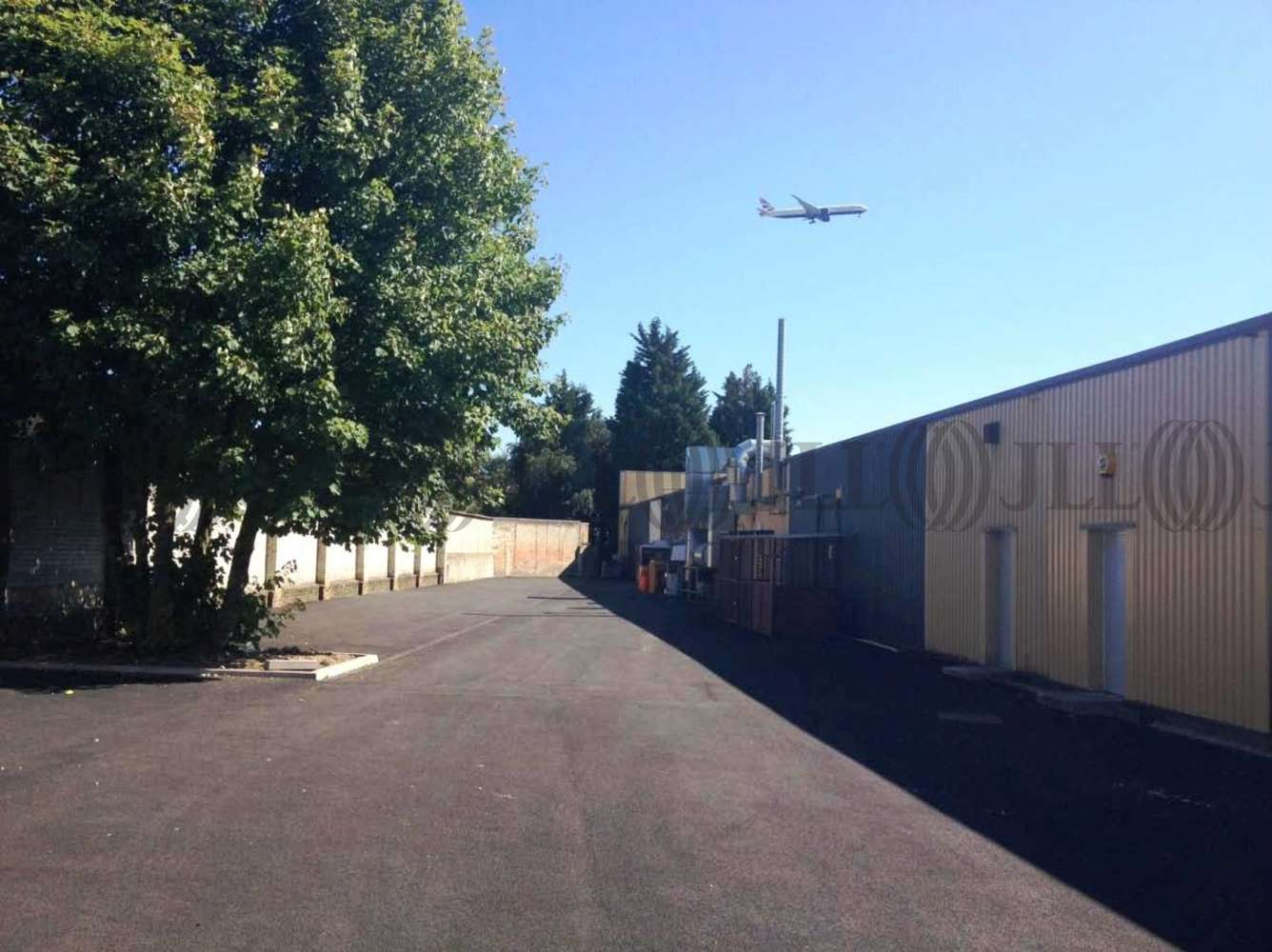 Industrial Hounslow, TW5 0LD - Secure Yard - Heston Industrial Mall