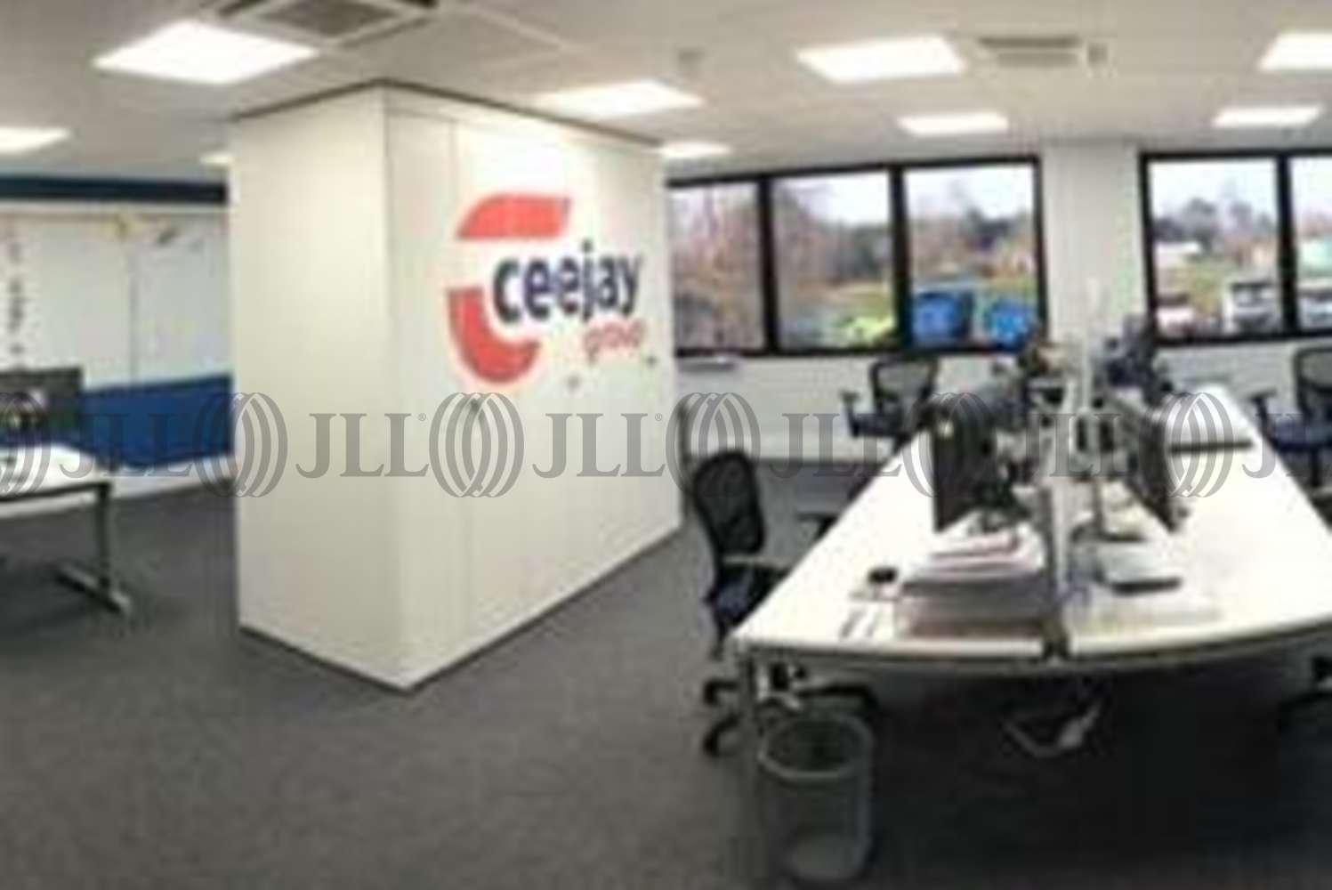 Industrial Southampton, SO32 2JQ - Ceejay Systems/Warwick Trailers - 7