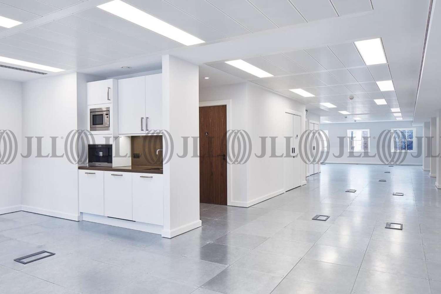 Office London, W1S 4NE - 32 Dover Street