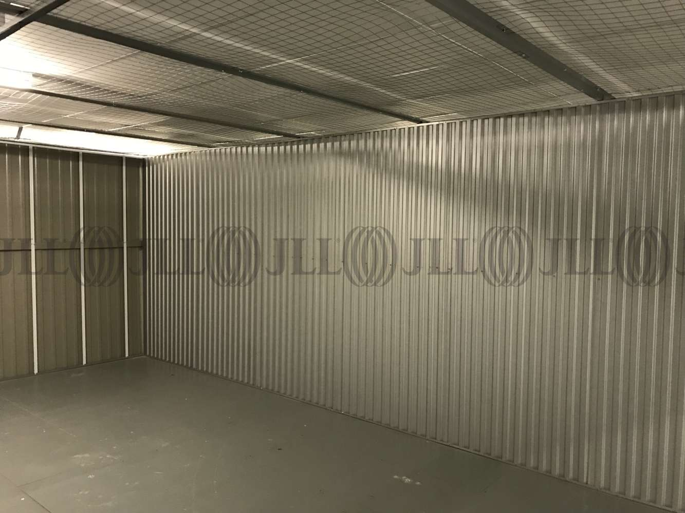 Industrial Waltham abbey, EN9 1JD - Commercial storage and office space - 0516