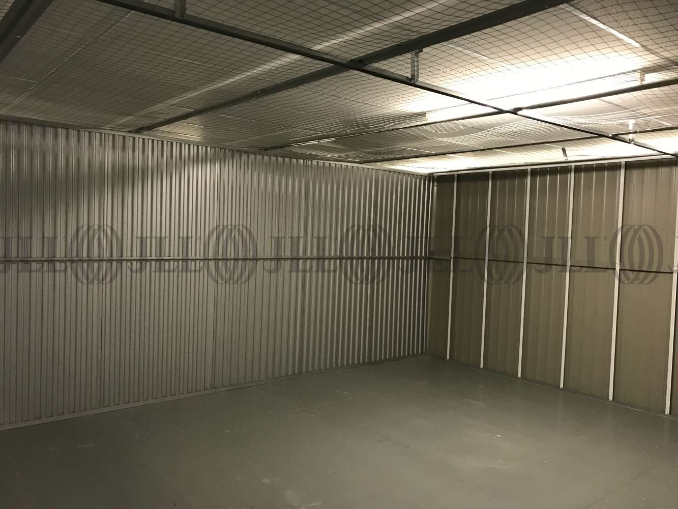 Industrial Waltham abbey, EN9 1JD - Commercial storage and office space - 0514