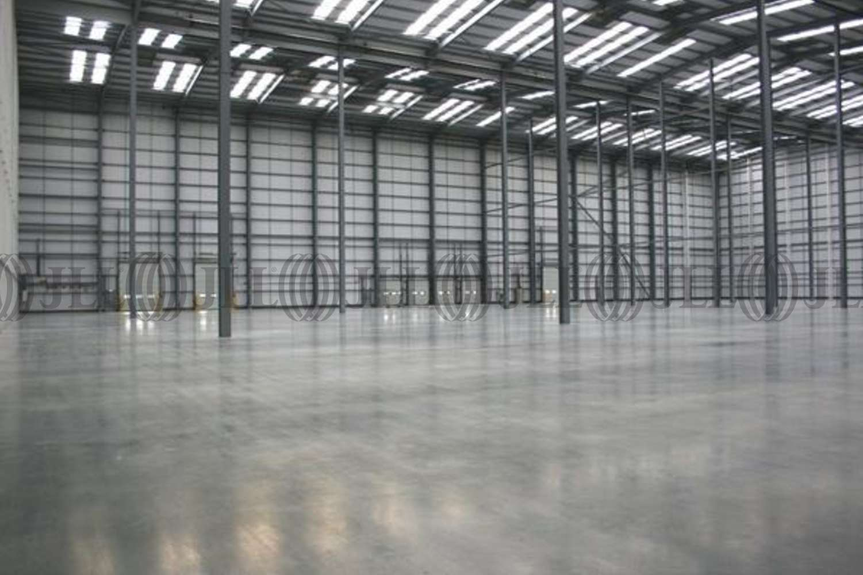 Industrial London, SE28 0GU - 20 White Hart Avenue - 18