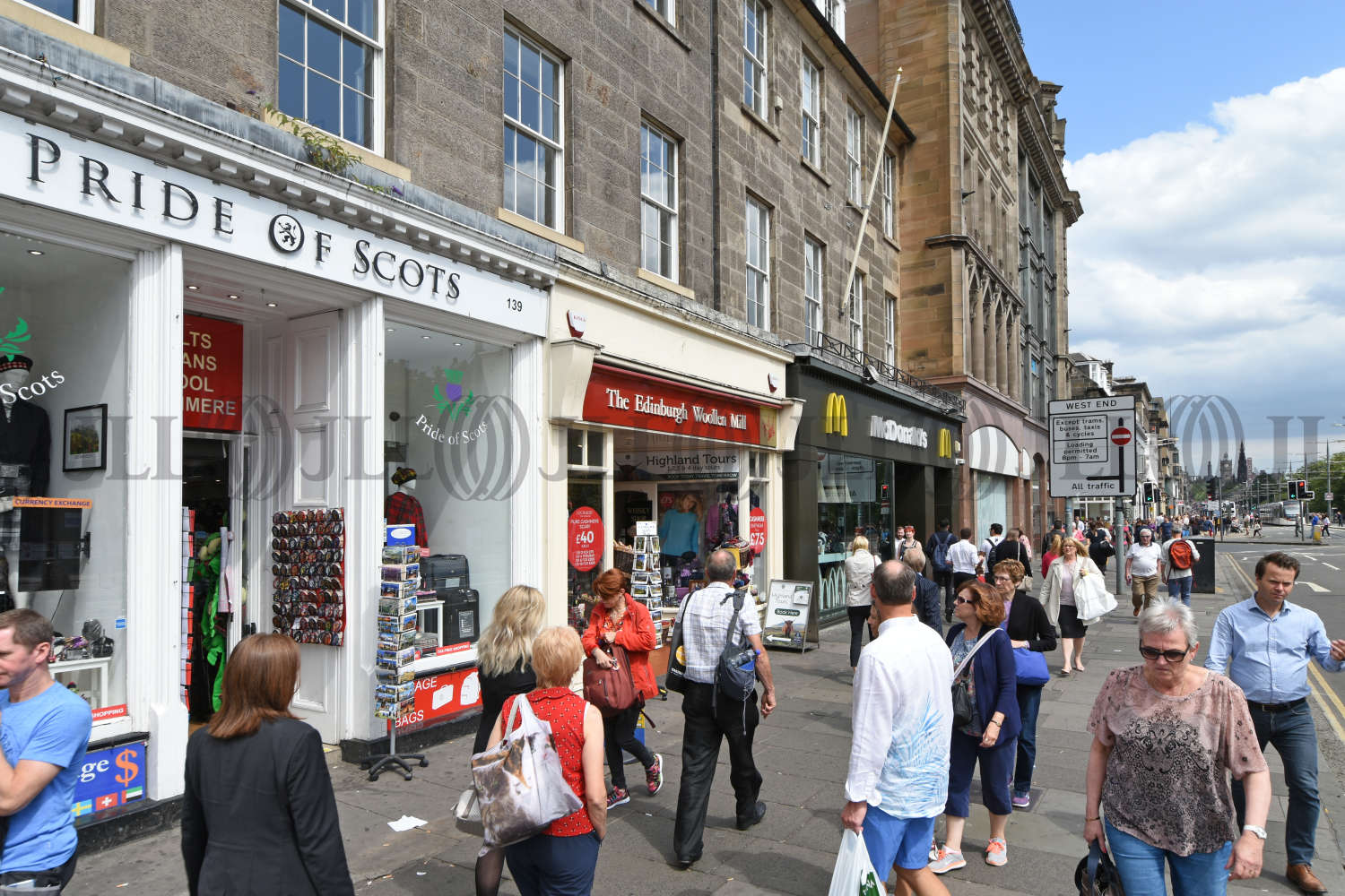 Retail high street Edinburgh, EH2 4BL - 139 Princes Street - 7595