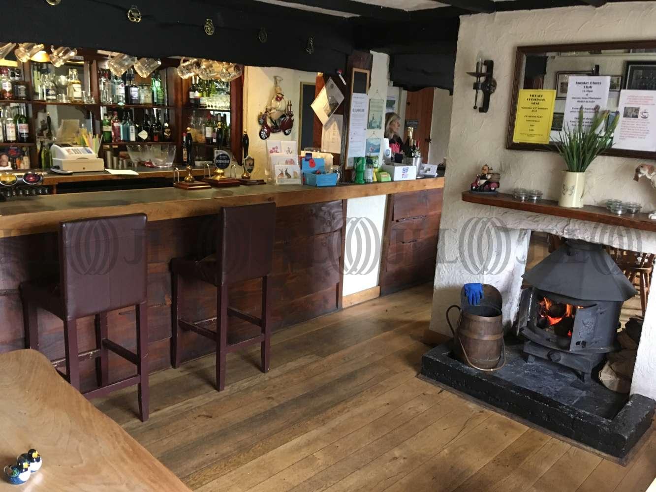 Pub Taunton, TA3 7AZ - The Queens Arms - 0520