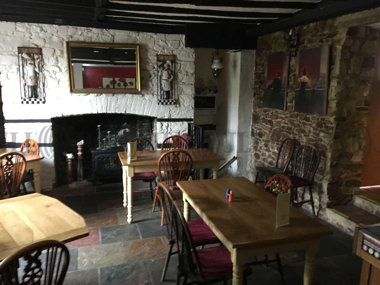 Pub Taunton, TA3 7AZ - The Queens Arms - 0522