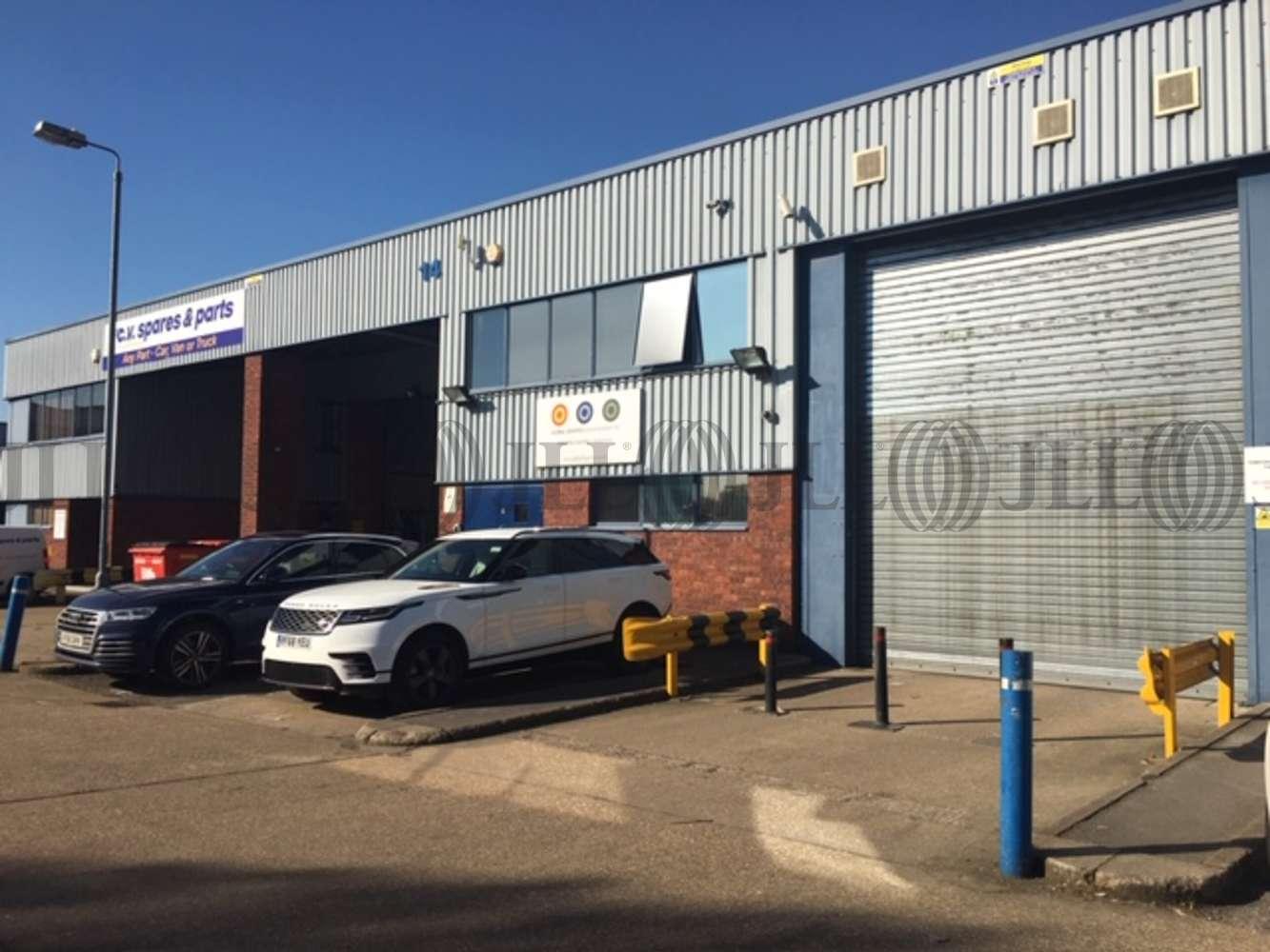 Industrial Colnbrook, SL3 0AX - Unit 14, Trident Industrial Estate - 14