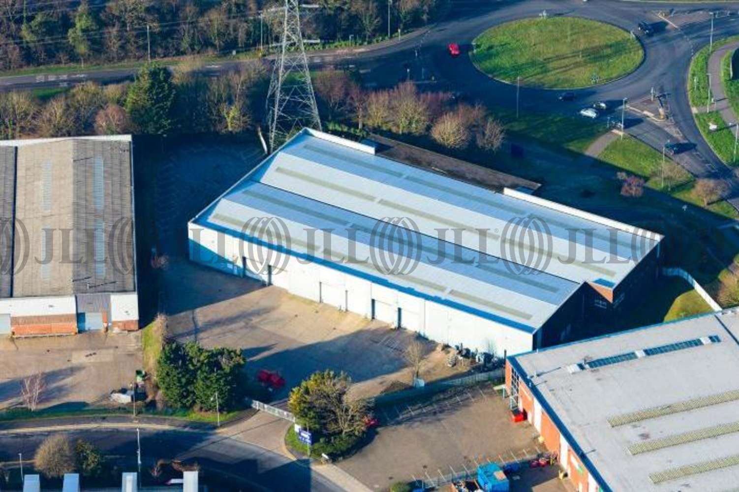 Industrial Dunstable, LU5 4TP - Unit 33 Woodside Industrial Estate - 1