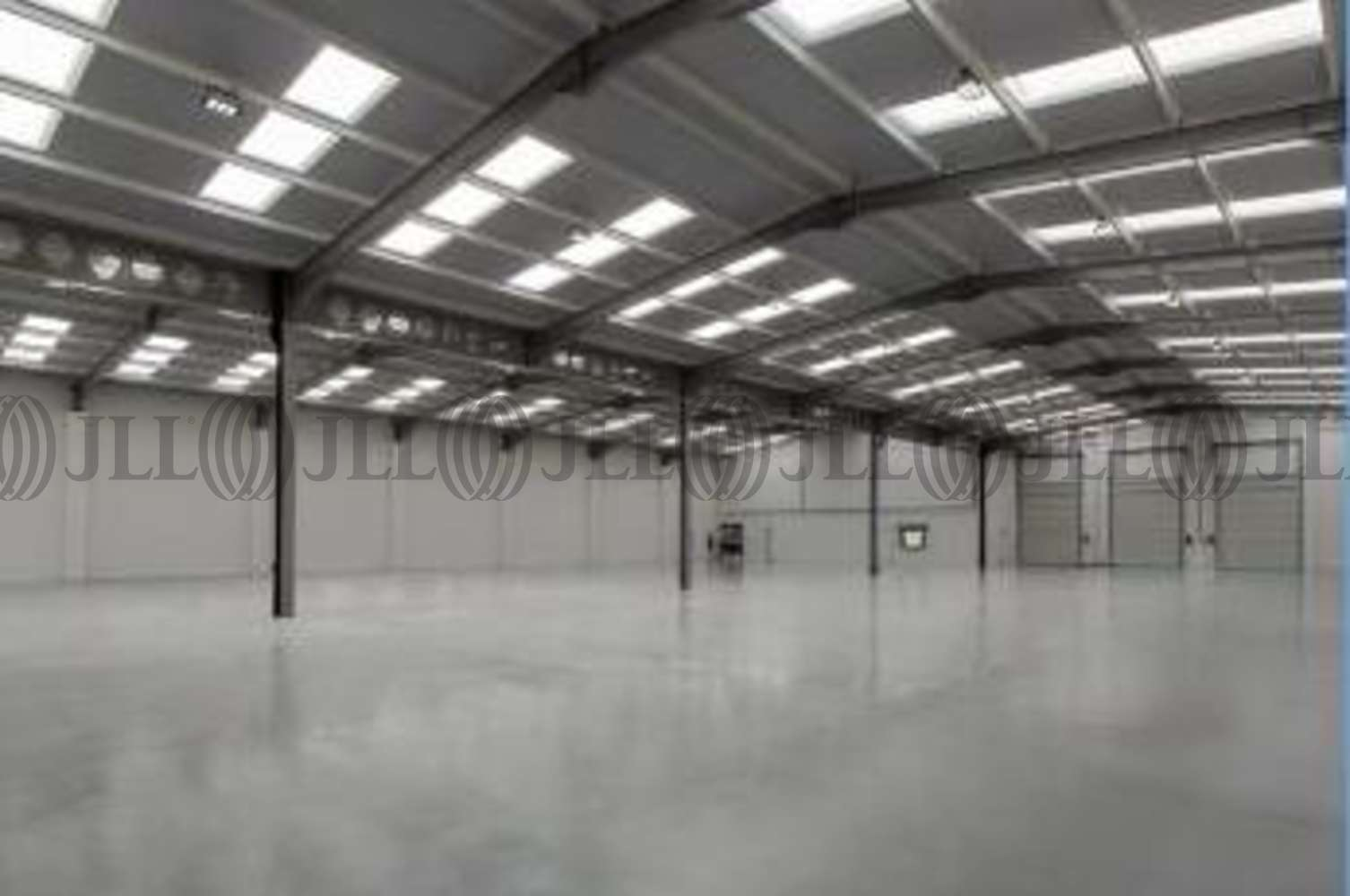 Industrial Dunstable, LU5 4TP - Unit 33 Woodside Industrial Estate - 3
