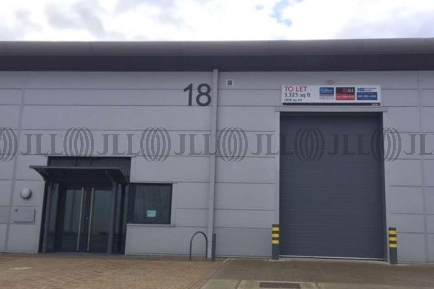 Industrial Greenford, UB6 0AZ - Unit 18 Greenford Park - 0799