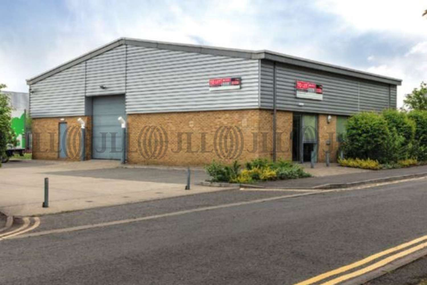 Industrial Slough, SL1 4QT - 232 Berwick Avenue - 1