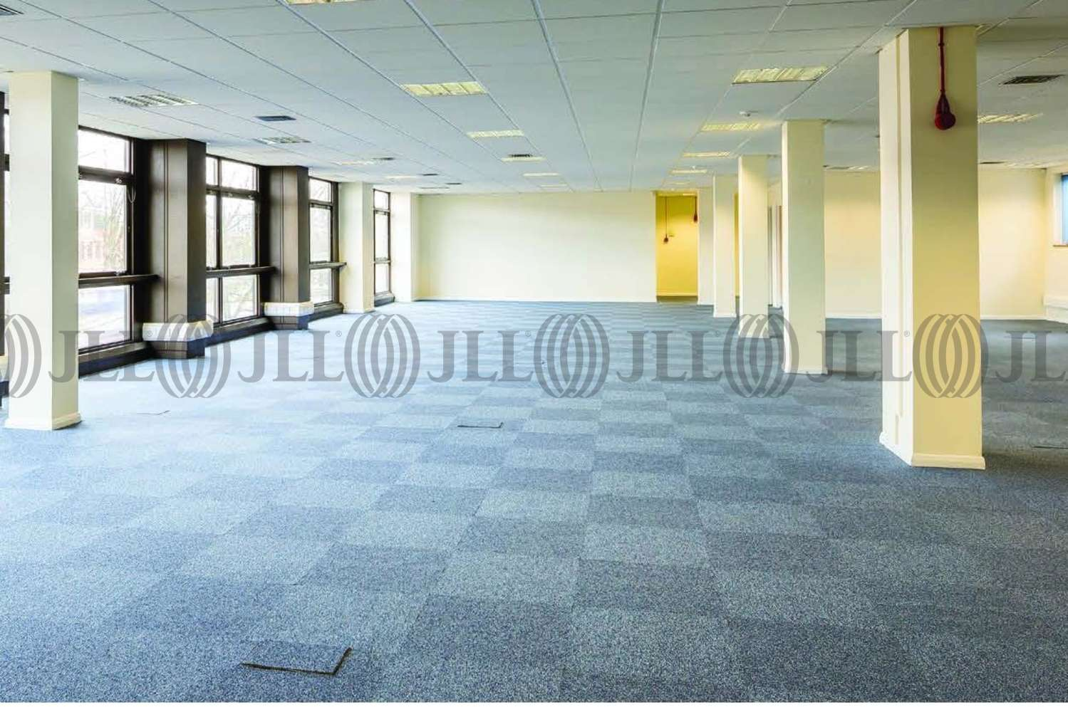 Industrial Bracknell, RG12 1RW - Unit 3 Western Trade Centre - 3