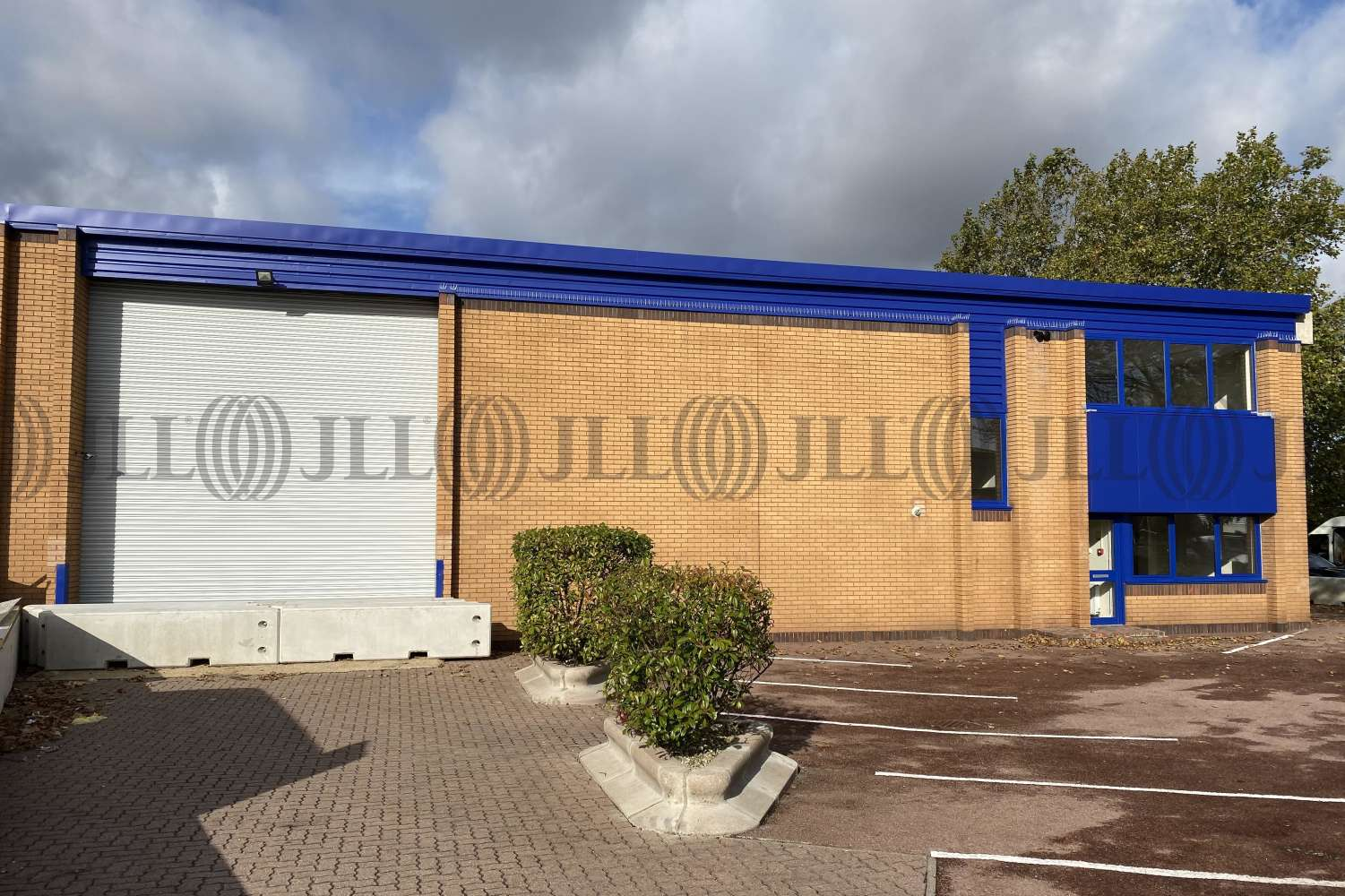 Industrial West drayton, UB7 8HZ - Unit 2 Crown Trade Park - 0332
