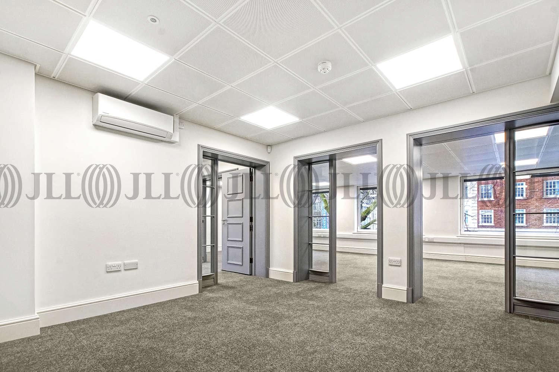 Office London, SW3 1HQ - 176-178 Brompton Road