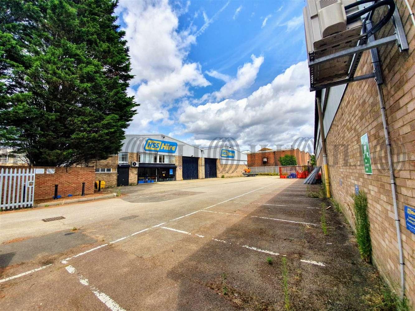 Industrial Camberley, GU15 3BN - Unit 8 Tuscam Trade Park - 20190806140646
