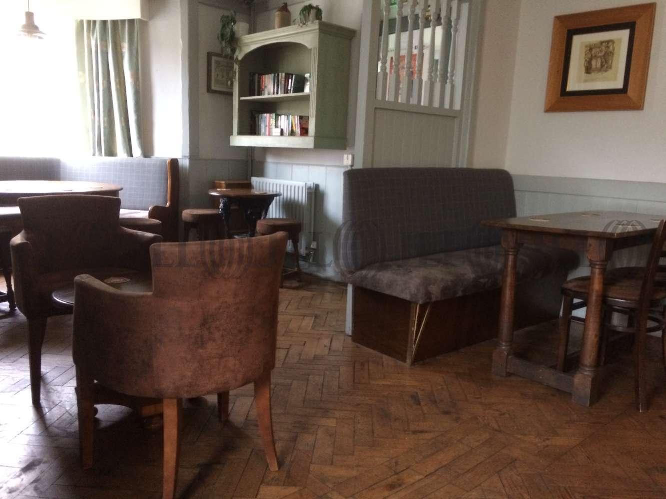 Pub Brixham, TQ5 9HZ - The Burton Hotel - 0527
