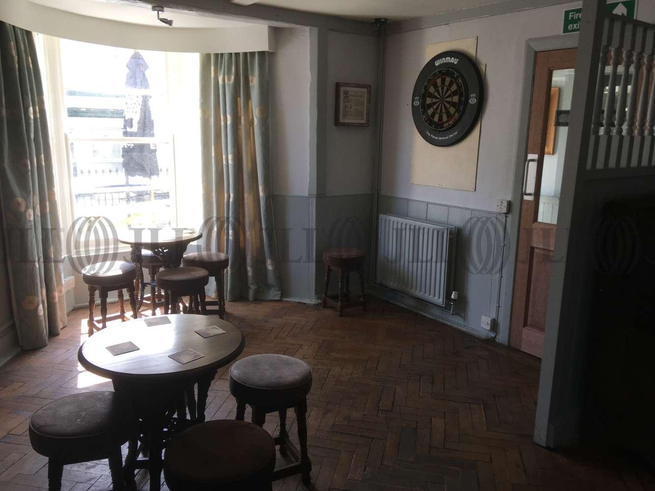 Pub Brixham, TQ5 9HZ - The Burton Hotel - 1717