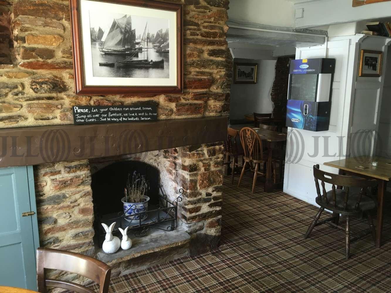 Pub Brixham, TQ5 9HZ - The Burton Hotel - 1722