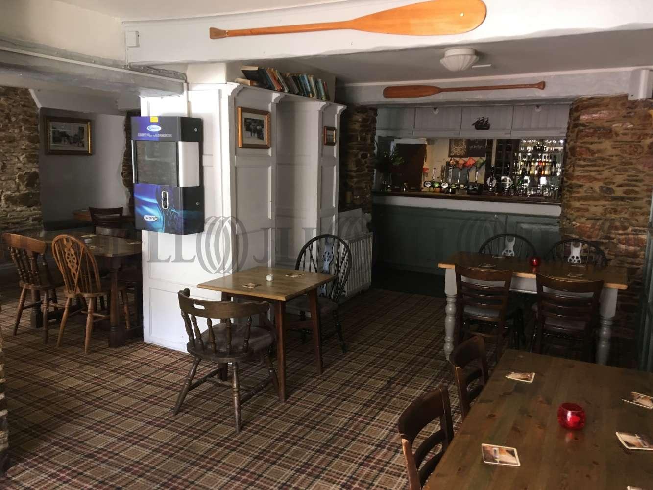 Pub Brixham, TQ5 9HZ - The Burton Hotel - 1723