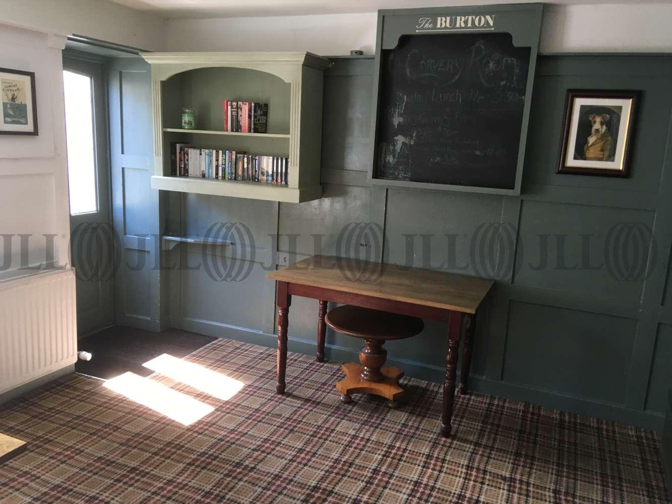 Pub Brixham, TQ5 9HZ - The Burton Hotel - 1726