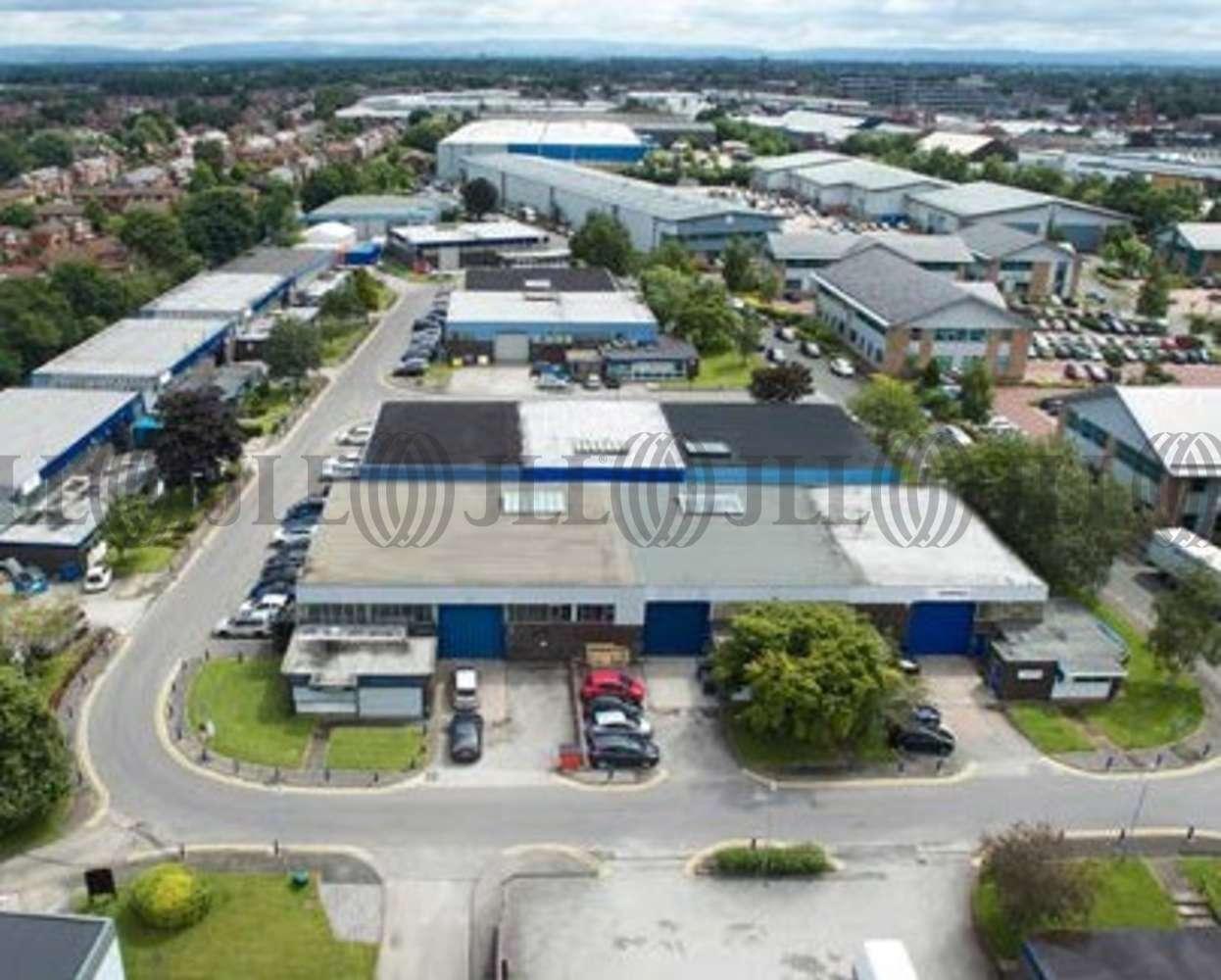 Industrial Altrincham, WA14 5RZ - Unit H3 Hannover Industrial Estate - 4