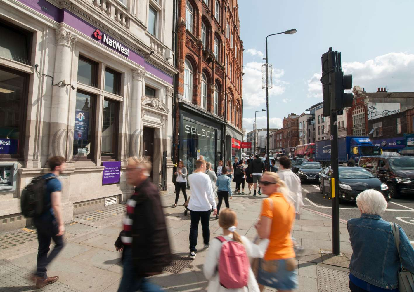 Retail high street London, NW1 0NE - 162 Camden High Street - 90628